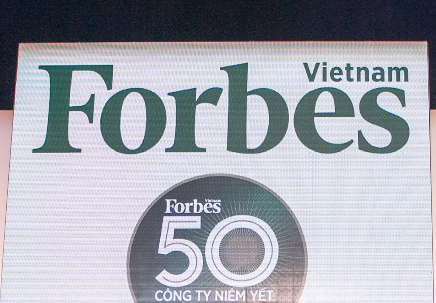 MESG3400_Backdrop FORBES VN