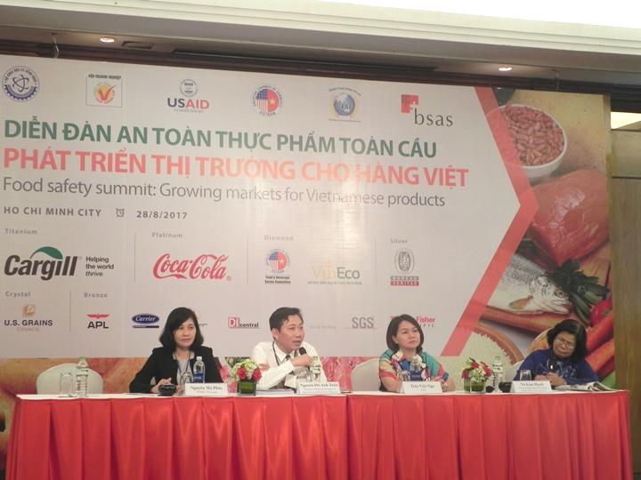 TS. Nguyễn Đỗ Anh Tuấn – Viện Chính sách và Chiến lược phát triển nông nghiệp nông thôn trả lời thắc mắc của doanh nghiệp