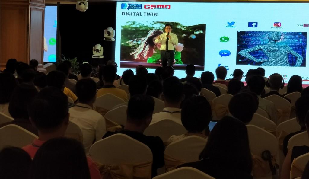 ông Hoàng Nam Tiến, chủ tịch của FPT Software chia sẻ về kinh nghiệm xây dựng nền tảng kỹ thuật số