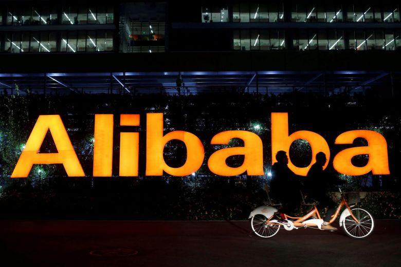 Ở Trung Quốc, nơi 85% doanh số bán lẻ vẫn đến từ kênh bán hàng trực tiếp, Alibaba đang tìm cách mở rộng sự thống trị của mình trong các cửa hàng trực tiếp