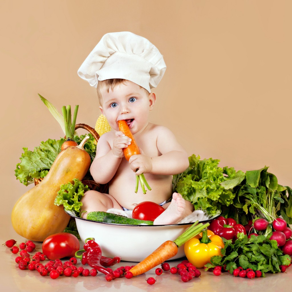 baby-eating-vegetables