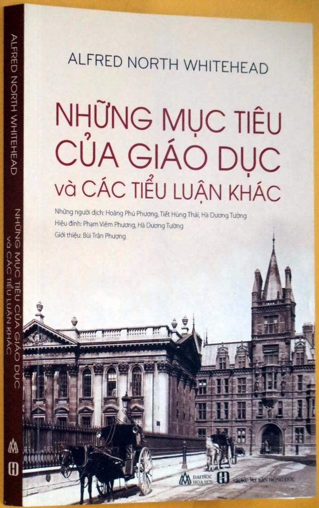 Sách do Ban tu th° ¡i hÍc Hoa Sen liên k¿t xu¥t b£n vÛi NXB HÓng éc ¢nh: L.IÀN