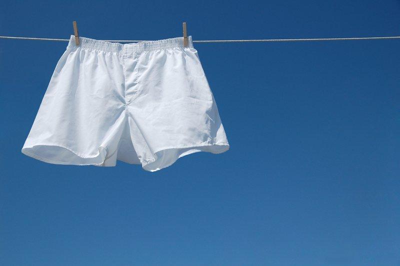 Mặc quần chật sẽ ảnh hưởng đáng kể đến chất lượng tinh trùng nam giới. Ngược lại, mặc quần rộng sẽ giúp tinh trùng được sản xuất nhiều hơn và có chất lượng tốt hơn. Nghiên cứu của đại học Harvard đã kết luận như thế.