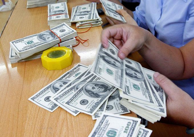 Giá ngoại tệ tăng thì giá chứng khoán giảm là diễn biến thường xảy ra khi dòng tiền đồng cơ chuyển hướng