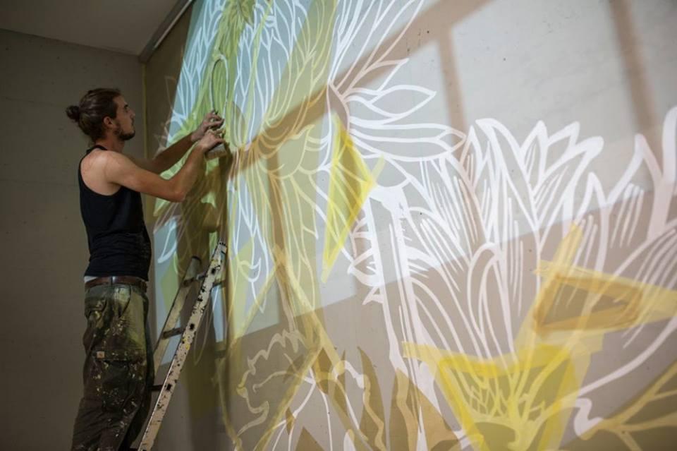 Đưa không gian nghệ thuật vào nhà tù, là một công việc đầy thách thức với các nghệ sĩ trẻ