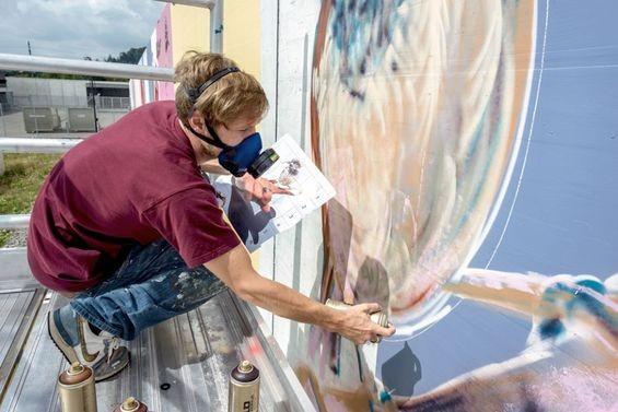 Đưa không gian nghệ thuật vào nhà tù, các nghệ sĩ trẻ sáng tạo một cách mãnh liệt