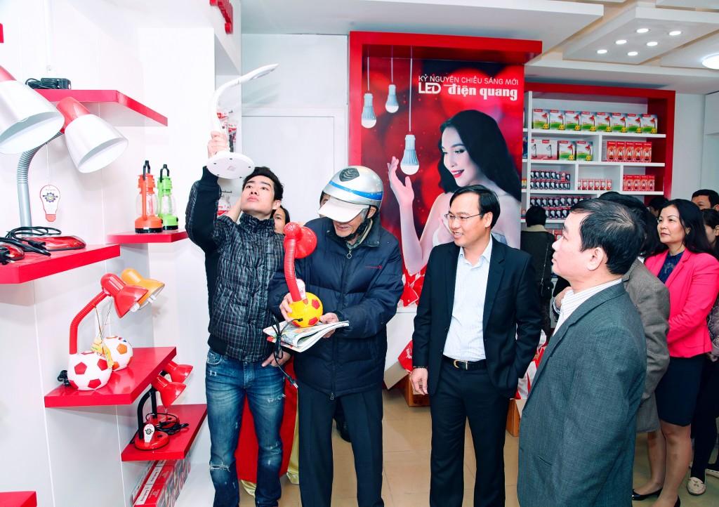 Showroom Điện Quang khai trương tại Hà Nội
