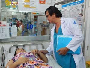 """Sáng ngày 23/6/2016, bác sĩ Nguyễn Trung Hiếu, phó giám đốc bệnh viện Nhi đồng 1 TP.HCM, nói: """"Cả cuộc đời phẫu thuật viên tôi mới gặp ca bệnh u đảo tụy (insulinoma) này đầu tiên, bởi y văn thế giới chỉ ghi nhận tần suất mắc bệnh là 4 ca/1 triệu người""""."""