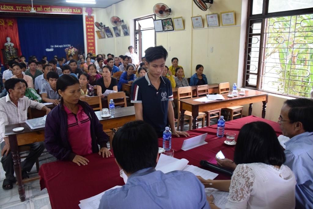 Tỉnh Thừa Thiên-Huế chi trả đợt 1 đền bù thiệt hại do sự cố môi trường biển cho người dân - Ảnh: VGP/Thế Phong