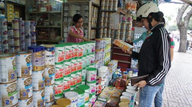 Tại Việt Nam hiện có khoảng 877 sản phẩm sữa dành cho trẻ em dưới 6 tuổi được công bố giá tối đa, giá đăng ký, giá kê khai.