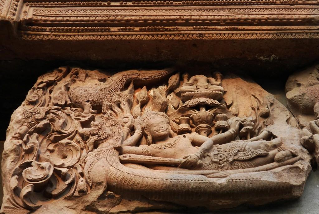 4. Thanh đà xưa sắc xảo đẹp và khá nổi tiếng của Phanom Rung.