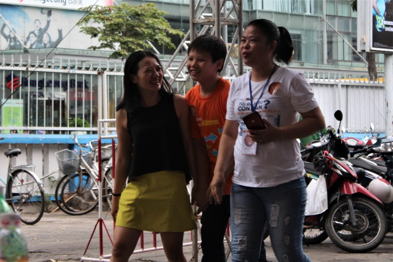 Hai mẹ con Thao- AN
