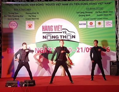 Nhóm Titikids trong lần theo chương trình HVVNT ra Quảng Ninh