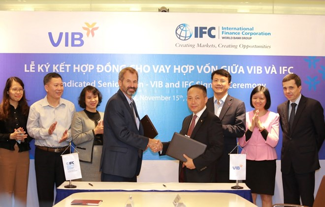 IFCVIB_tai_le_ky_ket_hop_dong_cho_vay_hop_von_185_trieu_do_la_my