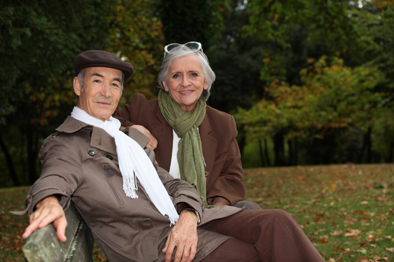 Classy-Older-Couple-on-Bench