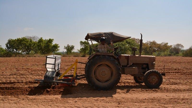Sugarcane-Planter-on-Field