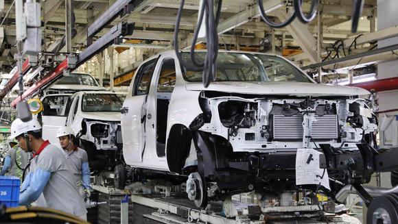 Thái Lan là trung tâm lắp ráp ô tô, ví dụ như nhà máy ô tô Toyota ở tỉnh Chachoengsao, với các hoạt động R&D quy mô nhỏ chủ yếu diễn ra ở quốc gia này