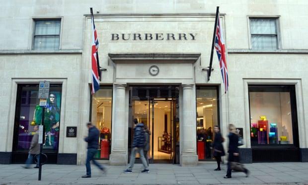 """""""Hàng cao cấp hiện đại phải mang ý nghĩa trách nhiệm xã hội và môi trường,"""" giám đốc điều hành của Burberry, Marco Gobbetti, nói. Ảnh: TL"""